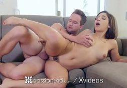Sexo com a prima linda