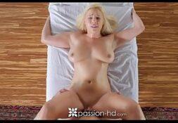 Imagens de sexo loira rabuda transando com massagista